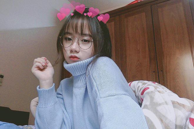 nu-sinh-2k-kieu-trang-khuay-dao-cong-dong-mang (8)