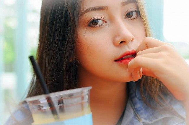 ghen-ty-ve-dep-xinh-nhu-tay-cua-co-ban-nguyen-hang (8)